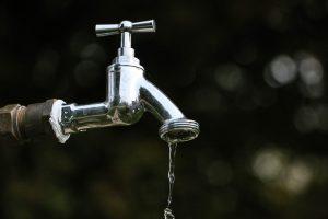 Derechos de los consumidores en el agua: fundamental conocerlos y defenderlos.