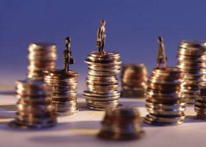 La venta de productos financieros complejos causa muchos problemas con el banco.