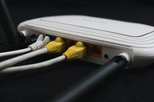 Derechos en el servicio de Internet y cómo defenderlos