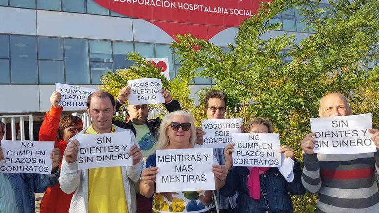 Afectados por el fraude de iDental protestan en Zaragoza. Fuente: Facebook de la plataforma.