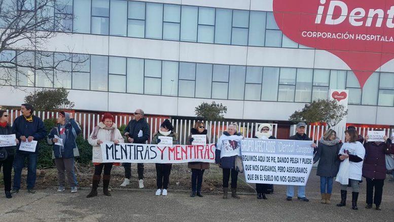 Movilización de afectados por iDental en Zaragoza. Fuente: Grupo de Facebook de la plataforma.